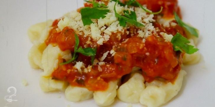 Receita de Nhoque Caseiro (Gnocchi Caseiro) em vídeo | Gourmet a Dois