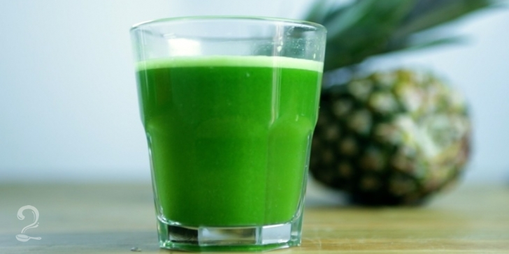 Receita de Suco Verde de Abacaxi com Hortelã em vídeo | Gourmet a Dois