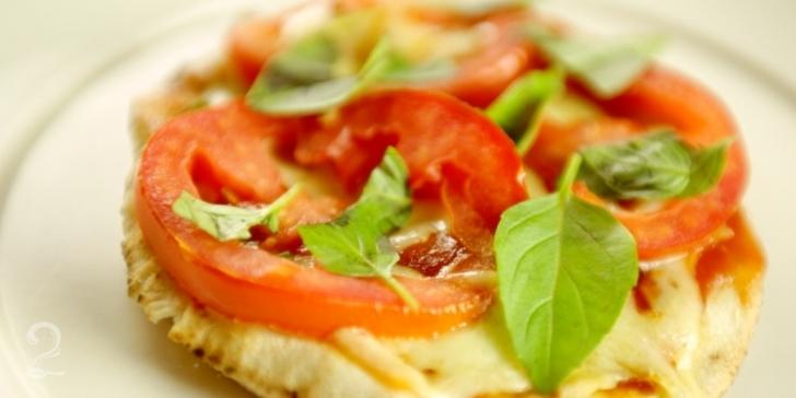 Receita de Pizza de Pão Árabe em vídeo | Gourmet a Dois