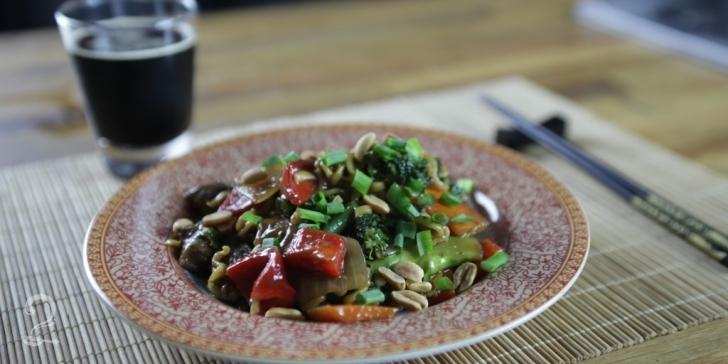 Receita de Yakisoba de Carne em vídeo | Gourmet a Dois
