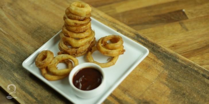 Receita de Onion Rings em vídeo | Gourmet a Dois