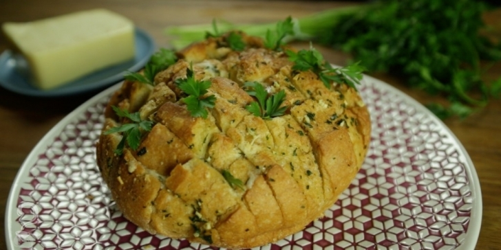 Receita de Pão de alho e queijo em vídeo | Gourmet a Dois