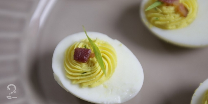 Ovos Recheados e Bacon (Deviled Eggs)