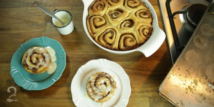 Receita de Cinnamon Rolls | Rosca de Canela com Calda de Cream Cheese em vídeo | Gourmet a Dois