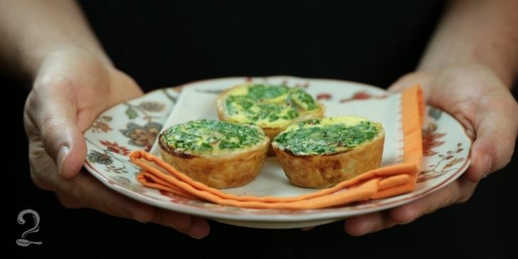 Receita de Mini Quiche de Queijo e Bacon - Rápido e Prático em vídeo | Gourmet a Dois