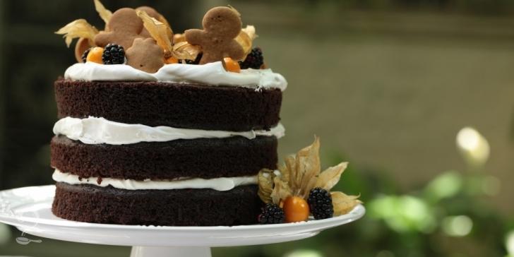 Receita de BOLO PELADO ou NAKED CAKE DE CHOCOLATE | Bolo Simples Delicioso em vídeo | Gourmet a Dois