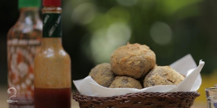 Receita de Como Fazer BOLINHO DE FEIJOADA em vídeo | Gourmet a Dois