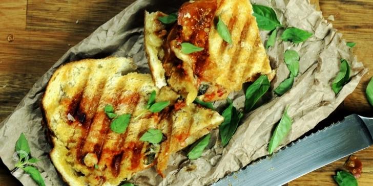 Receita de SANDUÍCHE DE (PIZZA) MARGUERITA - Sanduba Bem Fácil de Margherita! em vídeo | Gourmet a Dois