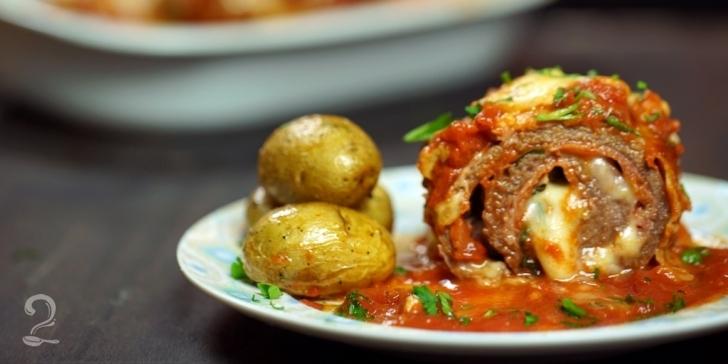 Receita de Bife à Parmegiana DIFERENTÃO! RECHEADO com Queijo e Presunto em vídeo | Gourmet a Dois