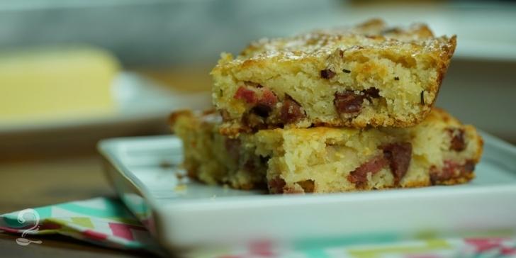 Receita de Pão de Linguiça Fácil (NÃO PRECISA SOVAR!) em vídeo | Gourmet a Dois