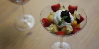 Pavê de Panetone com Frutas (NA TAÇA)