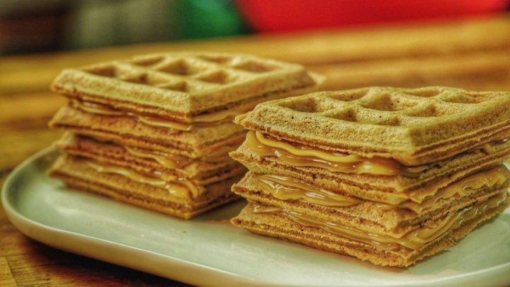Waffles de Pão de Mel