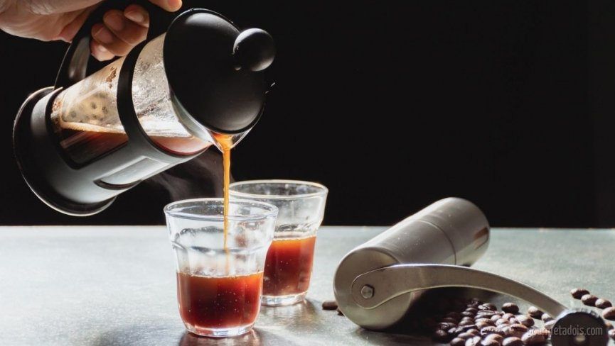 Técnica da Receita de Como Fazer e Preparar Café na Prensa Francesa (French Press) | Como fazer em vídeo