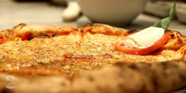 Pizza: Fazendo em Casa